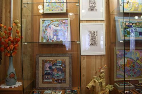 Выставку мастеров из Тарусы, экспозиция 2