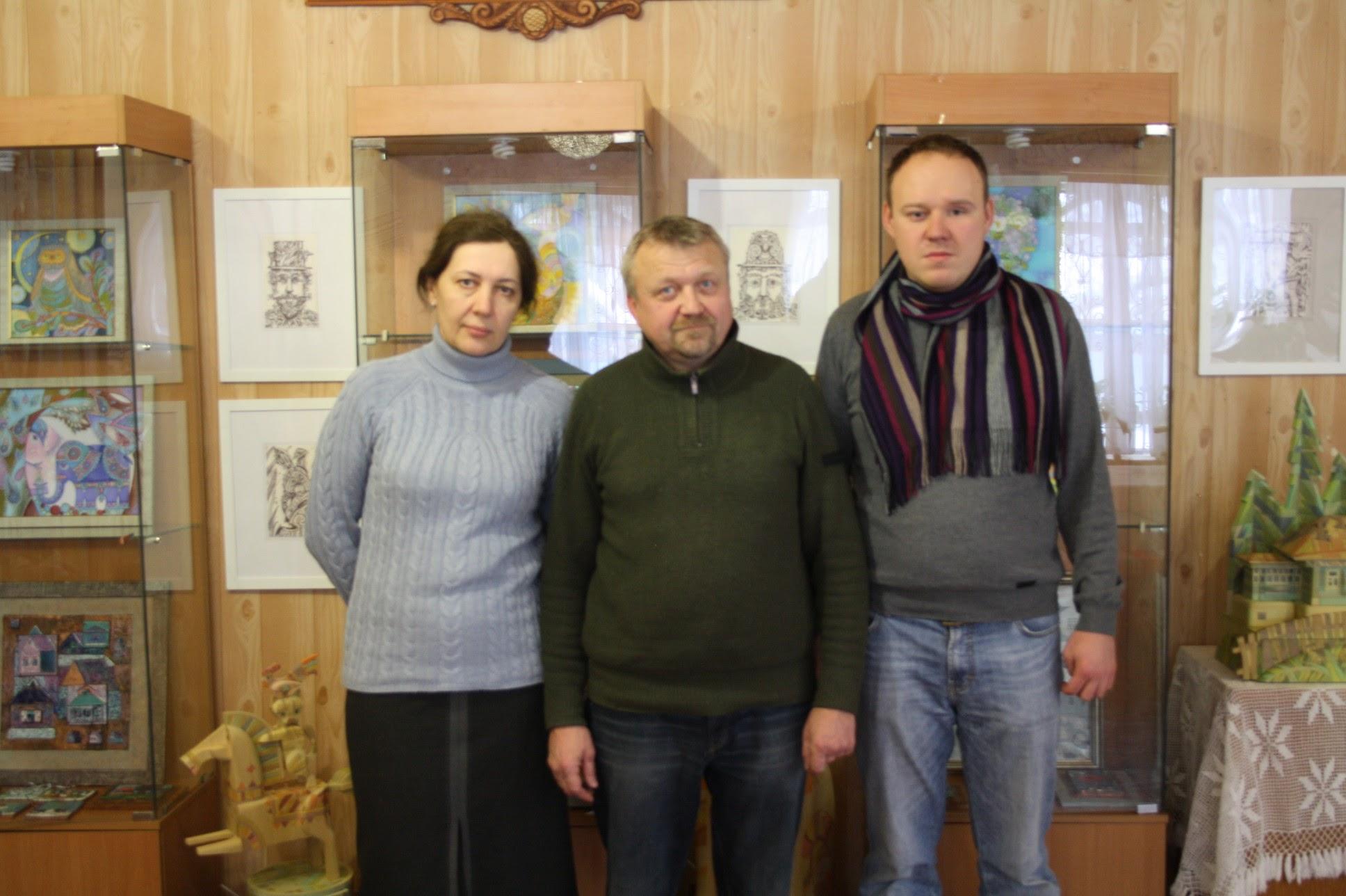Выставку мастеров из Тарусы, участники