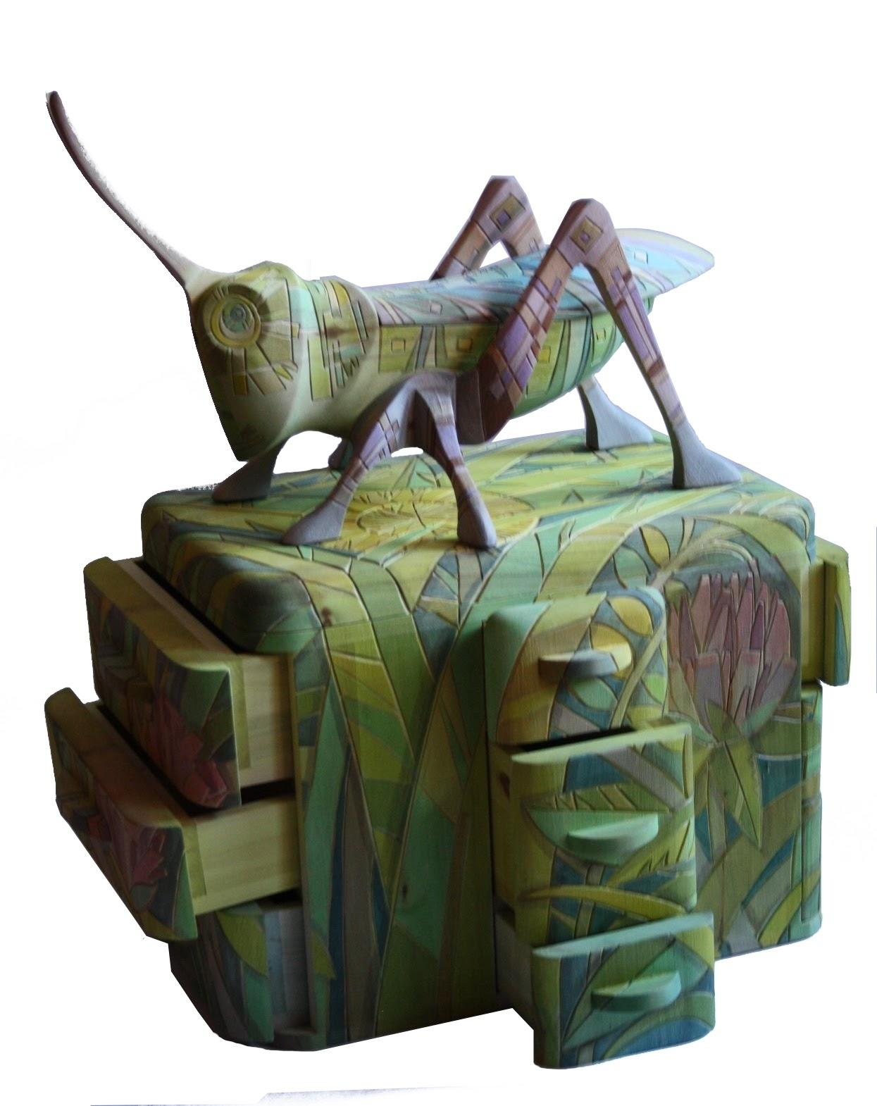Каталог Ремесел, город Таруса, художник скульптор Пилипенко Сергей, скульптура (дерево/тонировка), В траве сидел кузнечик - комодик