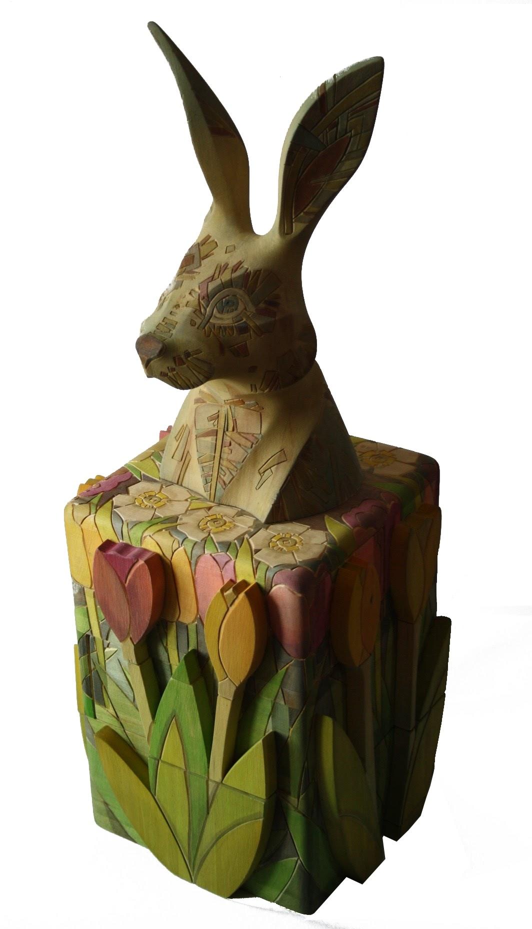 Каталог Ремесел, город Таруса, художник скульптор Пилипенко Сергей, скульптура (дерево/тонировка), Заяц в тюльпанах - комод